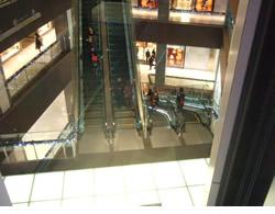 ミッドランドスクエアのエスカレーター